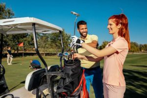 How to Put Golf Clubs in Bag the Proper Way