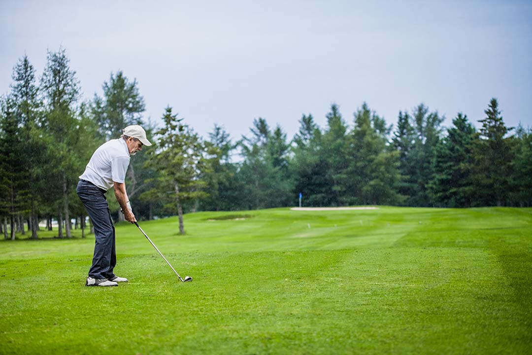 What is the Closed Coil Golf Swing for Seniors