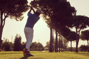 When to Hinge Wrist in a Golf Swing
